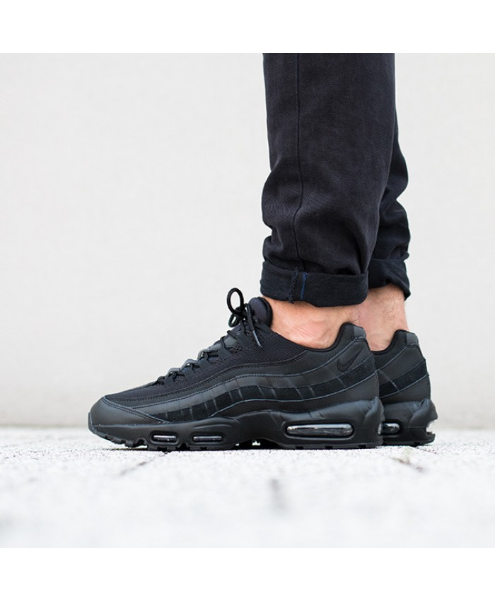 Chaussures Nike Air Max 95 Essential tout Noir