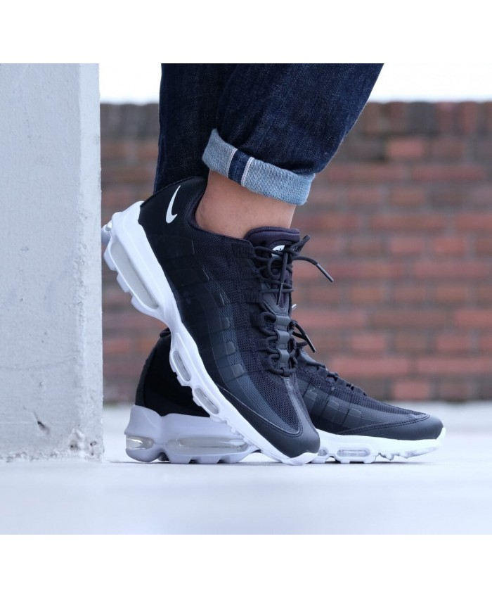 Chaussures Nike Air Max 95 Ultra Essential Noir