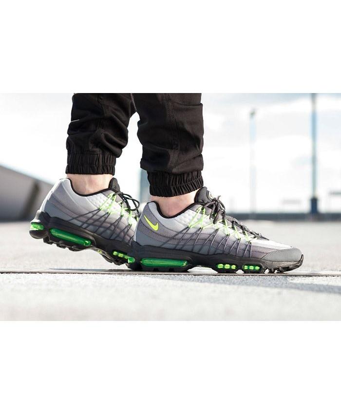 Chaussures Nike Air Max 95 Ultra SE Néon