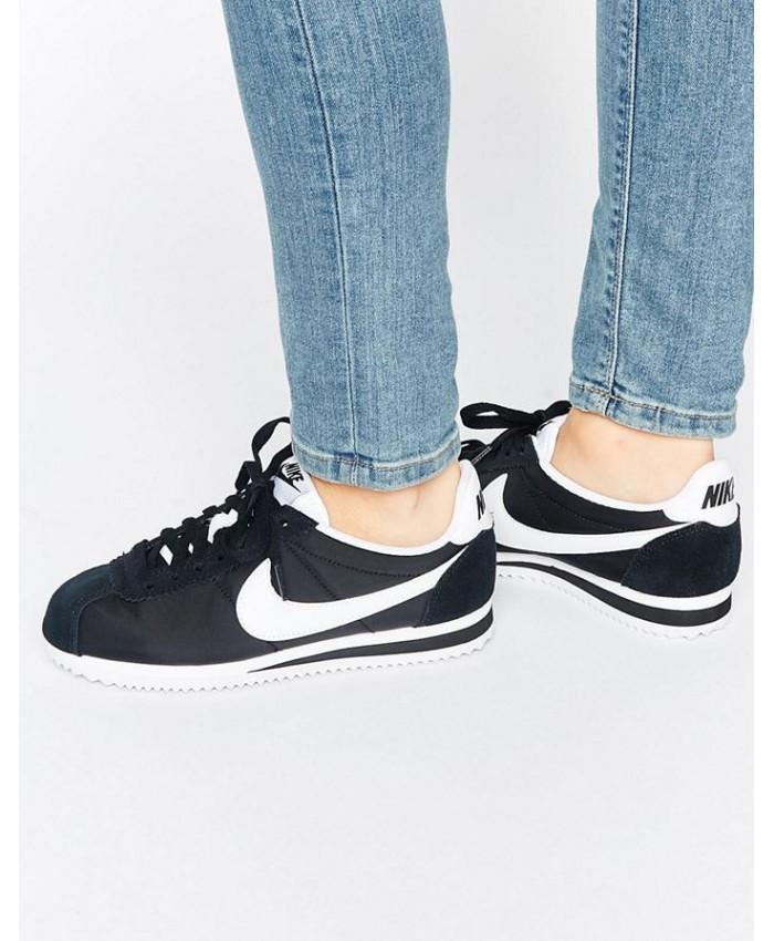 Femme Nike Classic Cortez Noir And Blanc