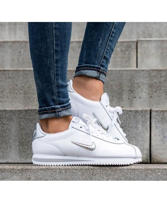 Femme Nike Cortez Basic Jewel Blanc Métallique Argent