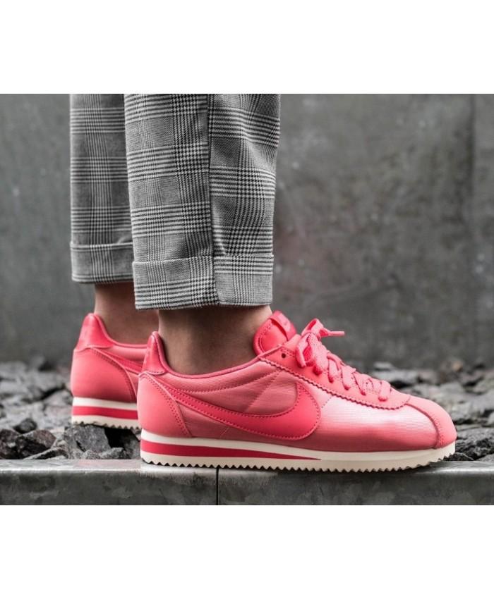 Femme Nike Cortez Classic Nylon Rose Blanc
