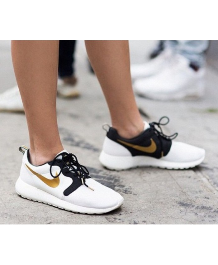 Femme Nike Roshe Run Womens Noir Or Blanc