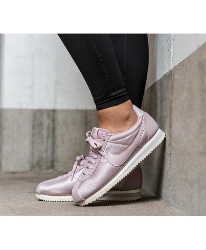 Nike Classic Cortez Nylon Femme Rose Blanc