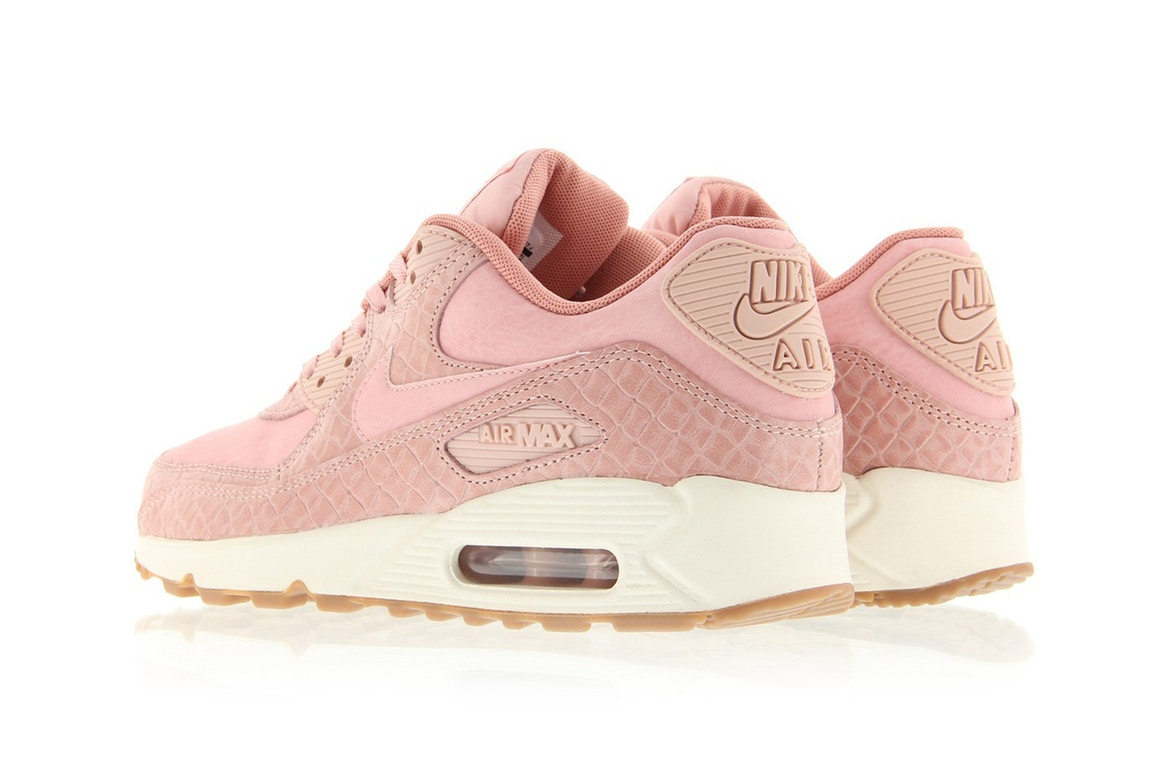 official photos 84087 94e6c Femmes Nike Air Max 90 Rose Or avec cristaux Swarovski Chaussures Discount  Shop
